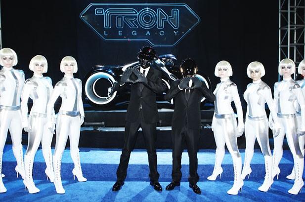 Boyle's 'Gift' Keeps Giving on Billboard 200, 'Tron' Hits Top 10