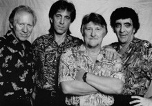 Bob Bogle Of Rock Band The Ventures Dies At 75