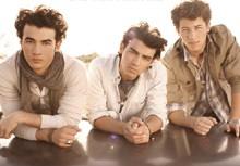 Nick Jonas Recording Solo Album, Jonas Brothers Deny Breakup