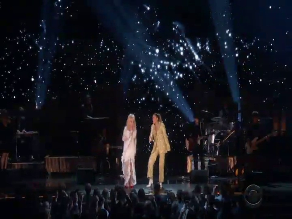 Dolly Parton And Miley Cyrus Perform Jolene At The 2019 Grammys Billboard